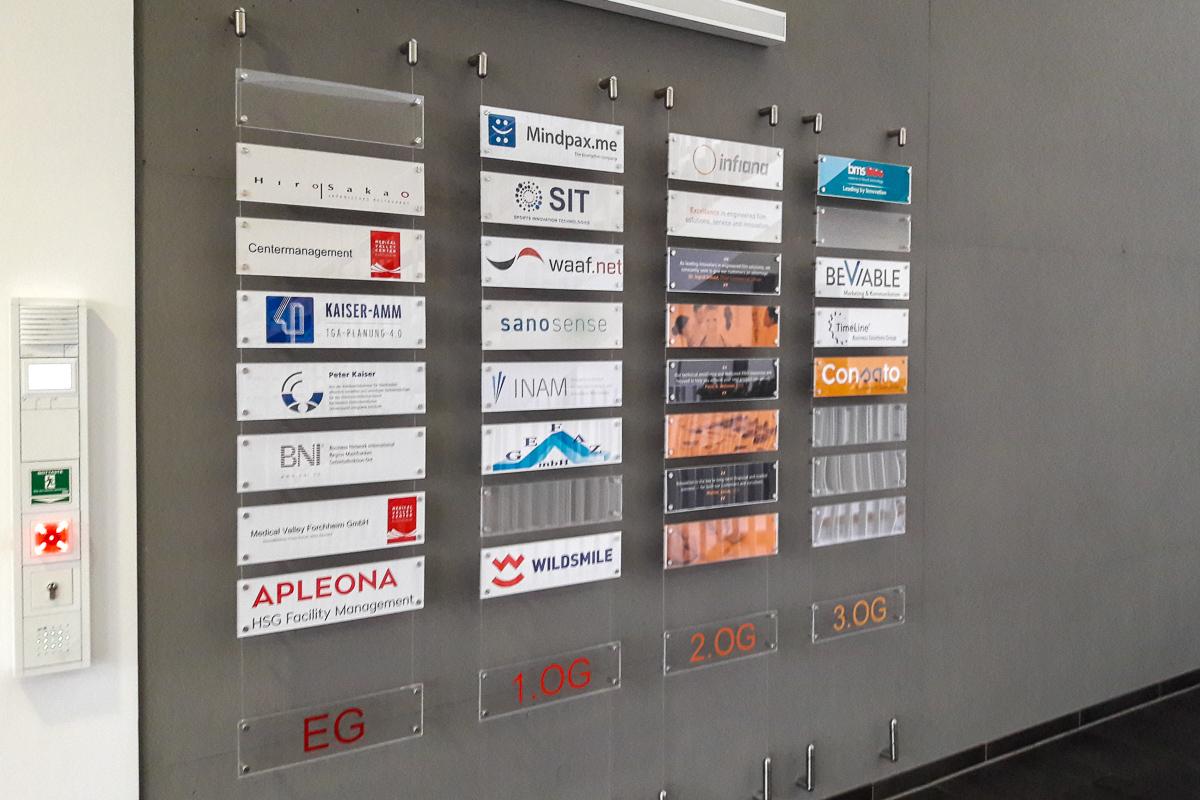 Leitsysteme - Uebersichtstafeln – Firmenwegweiser – Indoor-Leitsysteme